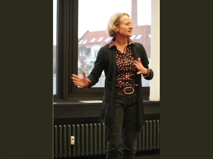 Postponed – Present with Impact: Mastering Body Language/ Beeindruckend präsentieren: Mit Köpersprache überzeugen – A Free Workshop (auf Deutsch und Englisch)